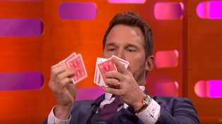 Chris Pratt's card trick fail!