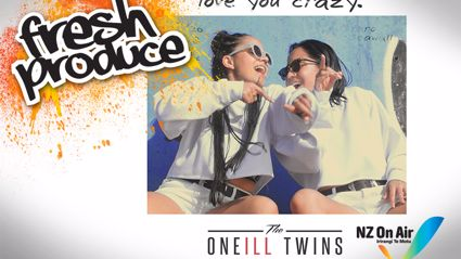 The Oneill Twins – Love me crazy