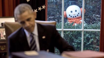 Snowman plays a prank on Barack Obama at the White House