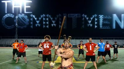 American College football player uses the haka to announce his commitment