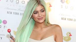 Kylie Jenner is Selling Her Clothes on Ebay!